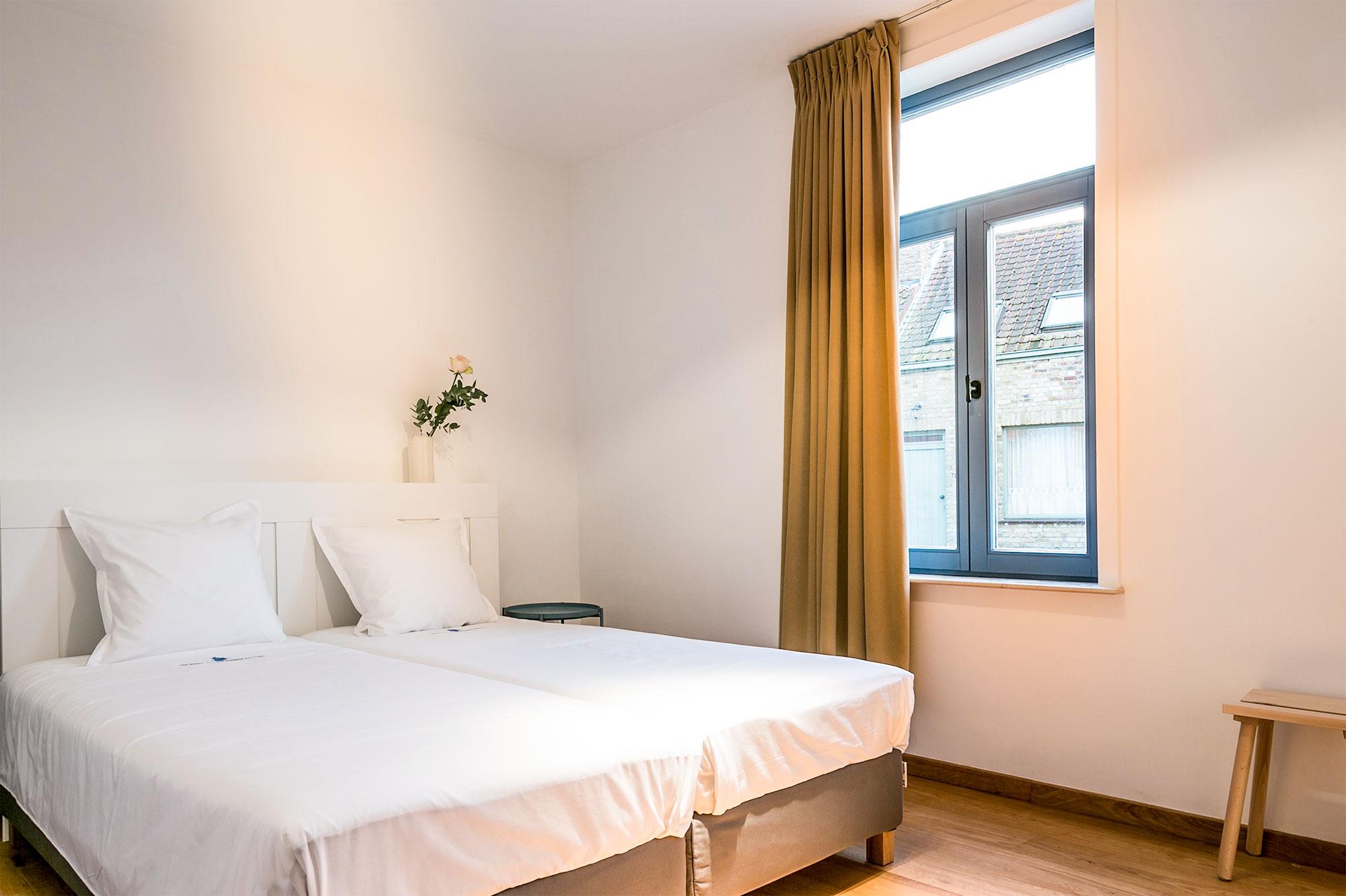 vakantiehuis te huur - lichtrijke slaapkamer